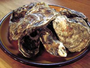 厚岸の殻付活牡蠣(カキ)Lサイズ 1個
