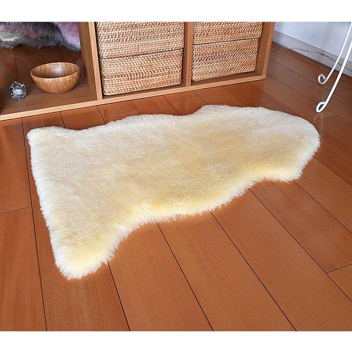 ムートンの短毛スキン1匹物 クリーム色 約60x90cm 毛足30mm