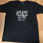 [クロネコDM便対応]TREASUREBOX-MUZIK AMAMI ISLAND HAPPINESS TEE (BLK)