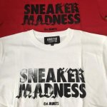<img class='new_mark_img1' src='https://img.shop-pro.jp/img/new/icons5.gif' style='border:none;display:inline;margin:0px;padding:0px;width:auto;' />KIKS TYO SNEAKER MADNESS TEE