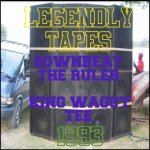 <img class='new_mark_img1' src='//img.shop-pro.jp/img/new/icons5.gif' style='border:none;display:inline;margin:0px;padding:0px;width:auto;' />(LEGENDLY TAPES) DOWNBEAT THE RULER LS KING WAGGY TEE - FRIENDLY DUB FI DUB - MIAMI FL 1993