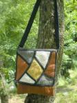 草木染めヘンプのフラップショルダーポーチ*ベルト調節3