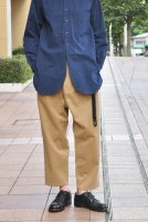 <img class='new_mark_img1' src='//img.shop-pro.jp/img/new/icons8.gif' style='border:none;display:inline;margin:0px;padding:0px;width:auto;' />STUDIO NICHOLSON  Peached Drill Pleat Cropped Pants (Tan)