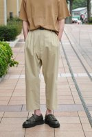 <img class='new_mark_img1' src='https://img.shop-pro.jp/img/new/icons20.gif' style='border:none;display:inline;margin:0px;padding:0px;width:auto;' />STUDIO NICHOLSON  Double Pleat Tapered Pants (Sand)