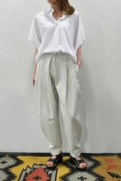<img class='new_mark_img1' src='https://img.shop-pro.jp/img/new/icons8.gif' style='border:none;display:inline;margin:0px;padding:0px;width:auto;' />HACHE  Short Sleeve Shirt (White)