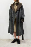 【SOLD OUT】ROLIAT  Oversized Double Breasted Coat with Fur Belt