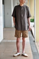 <img class='new_mark_img1' src='https://img.shop-pro.jp/img/new/icons8.gif' style='border:none;display:inline;margin:0px;padding:0px;width:auto;' />m's braque  Stand Collar Pull Over Long Shirts (Brown)