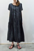 <img class='new_mark_img1' src='https://img.shop-pro.jp/img/new/icons8.gif' style='border:none;display:inline;margin:0px;padding:0px;width:auto;' />KristenseN DU NORD Cotton Boil Front Pleated Dress (Graphite)