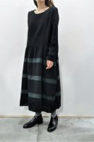 <img class='new_mark_img1' src='https://img.shop-pro.jp/img/new/icons20.gif' style='border:none;display:inline;margin:0px;padding:0px;width:auto;' />KristenseN DU NORD  Brushed Wool Dress (Black)