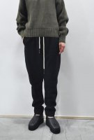<img class='new_mark_img1' src='https://img.shop-pro.jp/img/new/icons8.gif' style='border:none;display:inline;margin:0px;padding:0px;width:auto;' />bassike  Pique Fleece Panelled pant (Black)