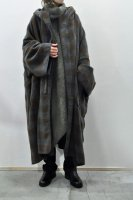 <img class='new_mark_img1' src='https://img.shop-pro.jp/img/new/icons8.gif' style='border:none;display:inline;margin:0px;padding:0px;width:auto;' />unfil  Block Checked Wool Mosser Poncho (Chacoal x Brown)