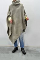 <img class='new_mark_img1' src='https://img.shop-pro.jp/img/new/icons8.gif' style='border:none;display:inline;margin:0px;padding:0px;width:auto;' />unfil  Boild Camel Knit Poncho (Oatmeal)