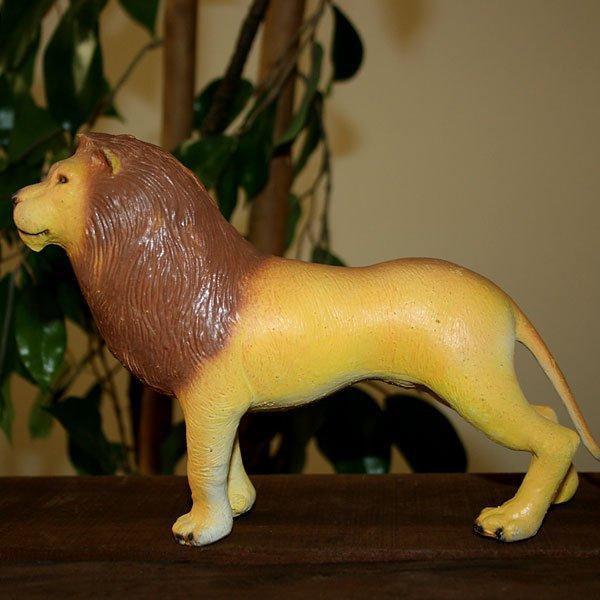 ライオンのフィギュア