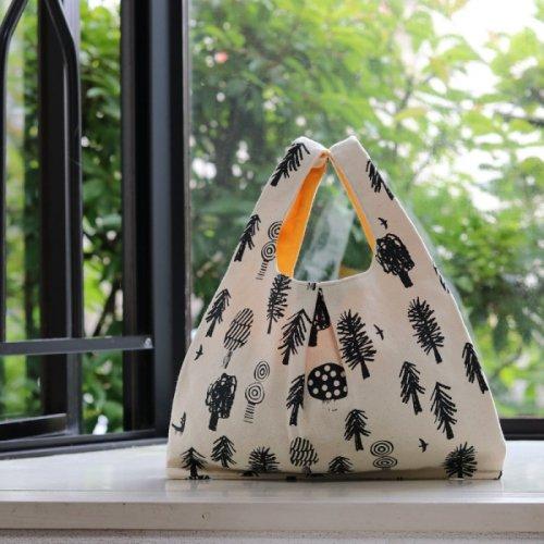 手刷り布のマーケットバッグ
