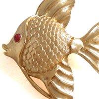魚のヴィンテージブローチ TRIFARI(トリファリ)