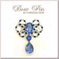 ブルーリボンの揺れるヴィンテージブローチ Christian Dior(クリスチャンディオール)