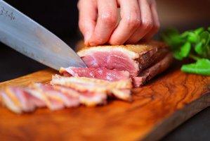 お徳用本鴨鍋セット(ブロック肉をお好きな厚さにスライスする3〜4人前のお得セット)