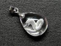 ★【蛇】【クリスタル】★彫刻天然石ペンダント:DG-33029