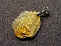 布袋(七福神)★【黄金タイチンルチル】★彫刻水晶ペンダント:GT-63947