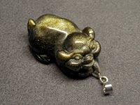 ★【豚】【ゴールドオブシディアン】金黒曜石★天然石彫刻ペンダント:DG-15604