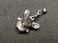 ★【ネズミ】【シルバーオブシディアン】銀黒曜石★天然石彫刻ペンダント:OB-19779