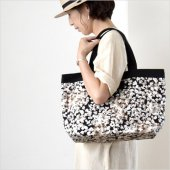 intoxic. [イントキシック] BASIC TOTE popcorn black