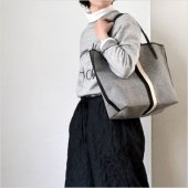 intoxic. [イントキシック] HOLIDAY TOTE L melton
