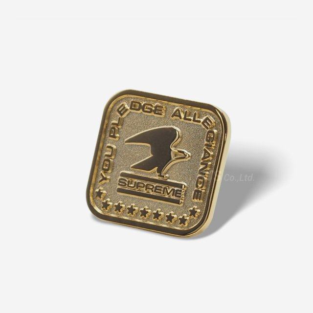 Supreme - Pledge Allegiance Pin