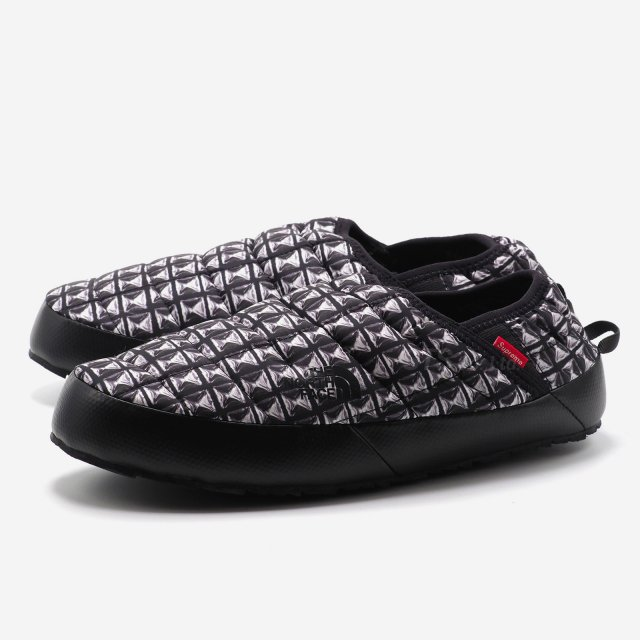 【SALE】Supreme/The North Face Studded Traction Mule