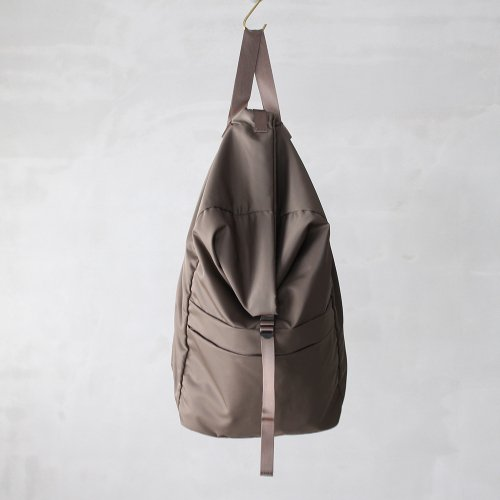 leaf spring backpack _ no.2 / olive - nylon twill