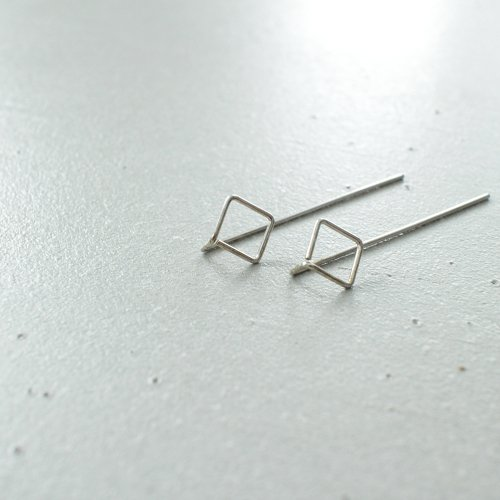 91_RIGHT LINE EARRINGS AB_RL_E2