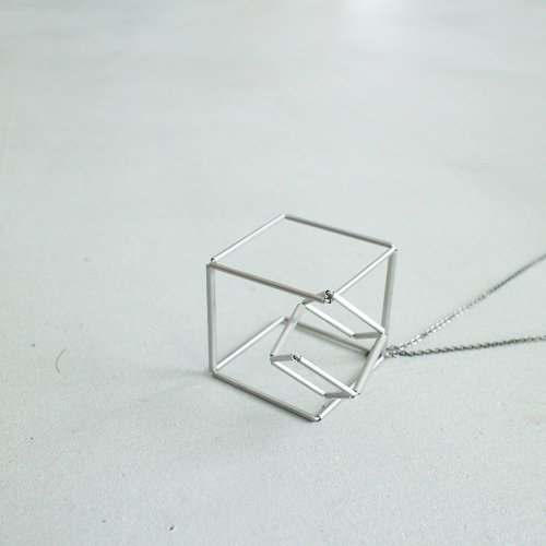 18_FINE LINE NECKLACE AB_FL_N2