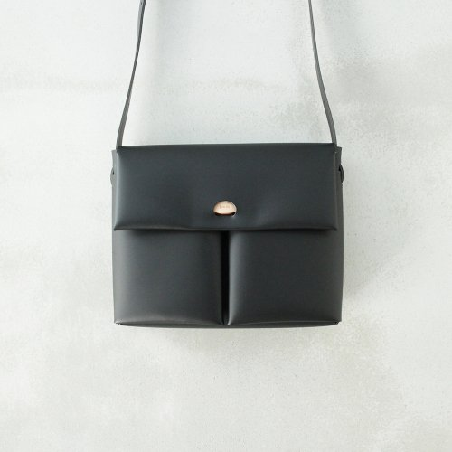 SEAMLESS SHOULDER BAG / BLACK