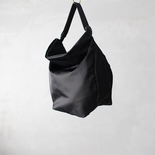 travel suck _ no.1 / black - nylon twill
