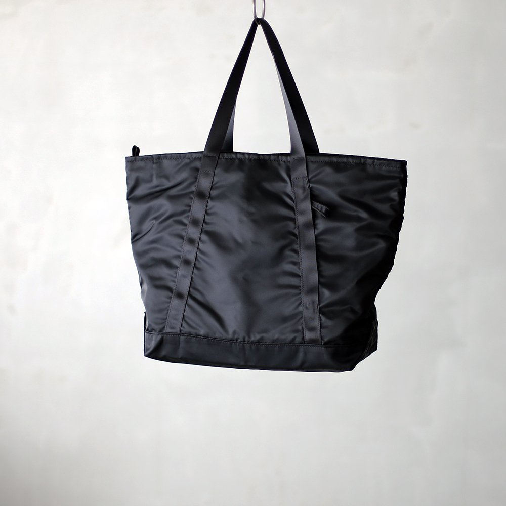leaf travel tote _ no.2 / black - nylon twill