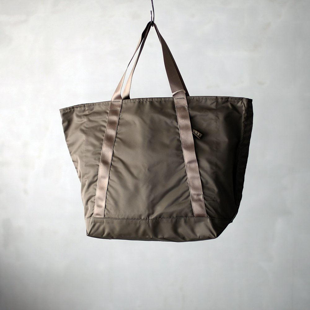 leaf travel tote _ no.3 / olive - nylon twill