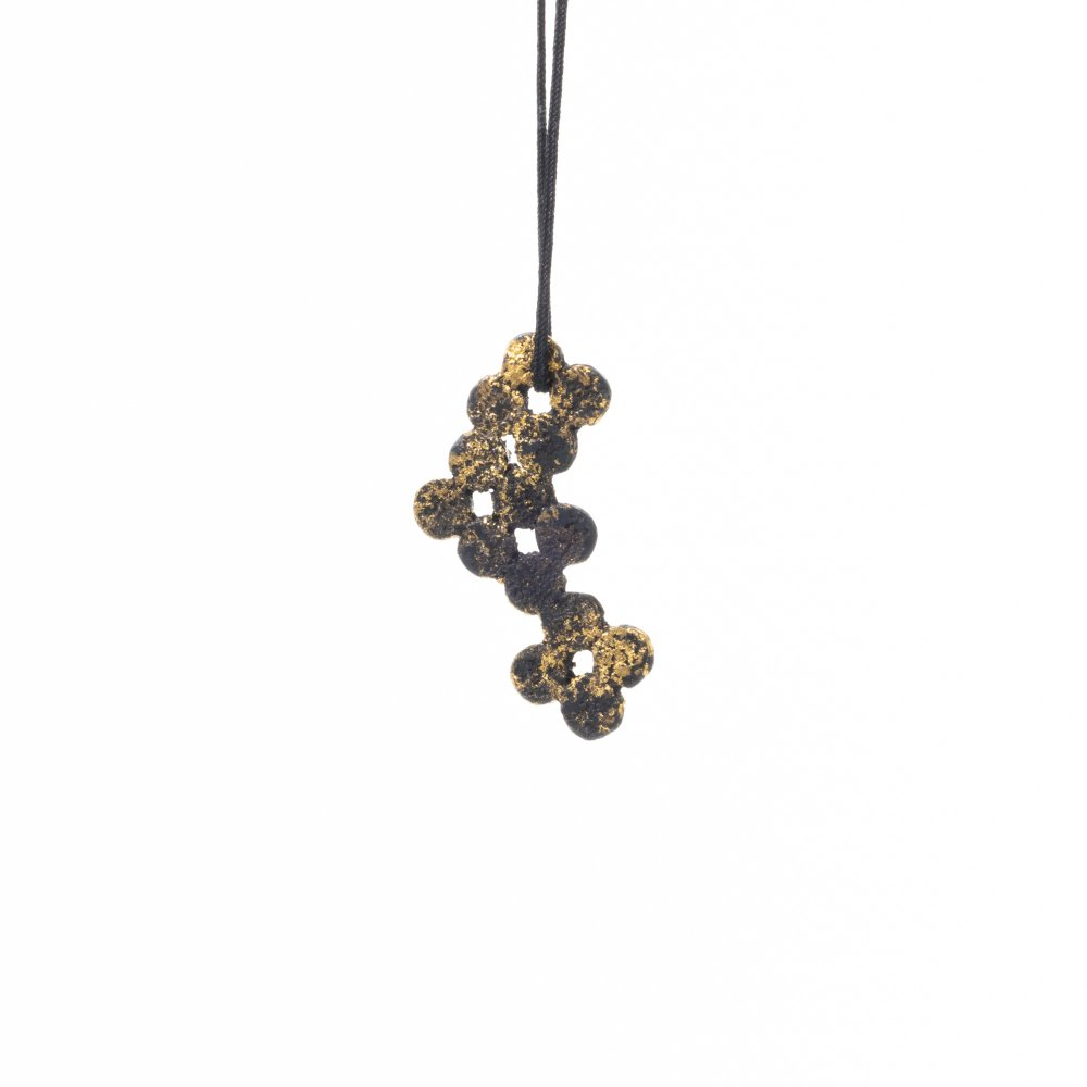 tenten flower pendant
