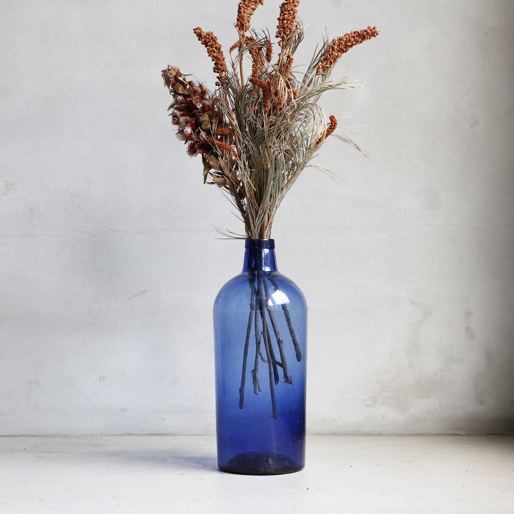 VASE / blue glass
