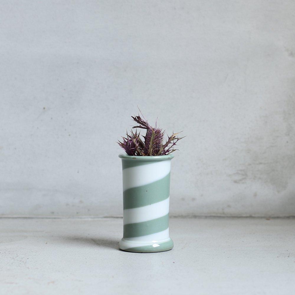 VASE / white_grey twist
