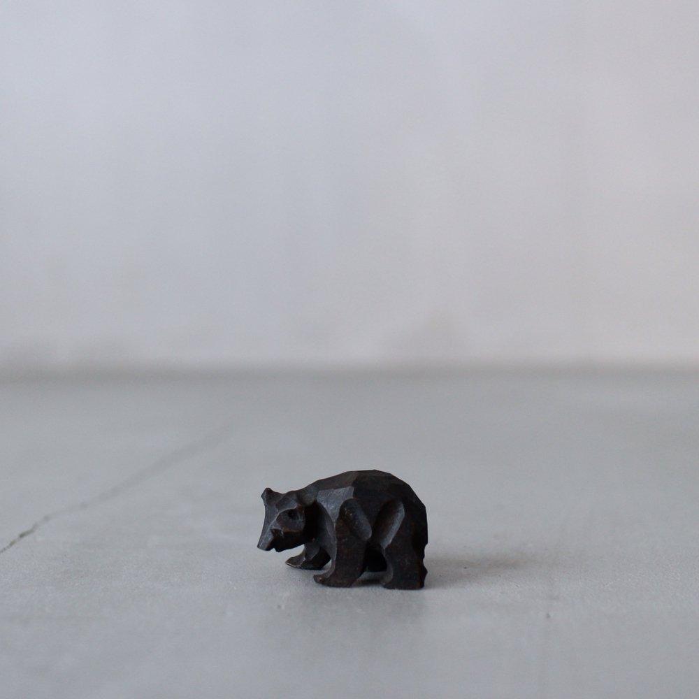 抽象的な表現のクマ