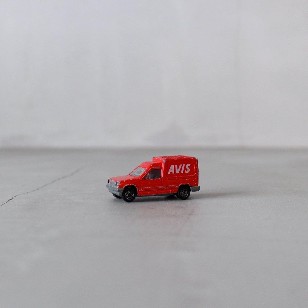 赤い商用車