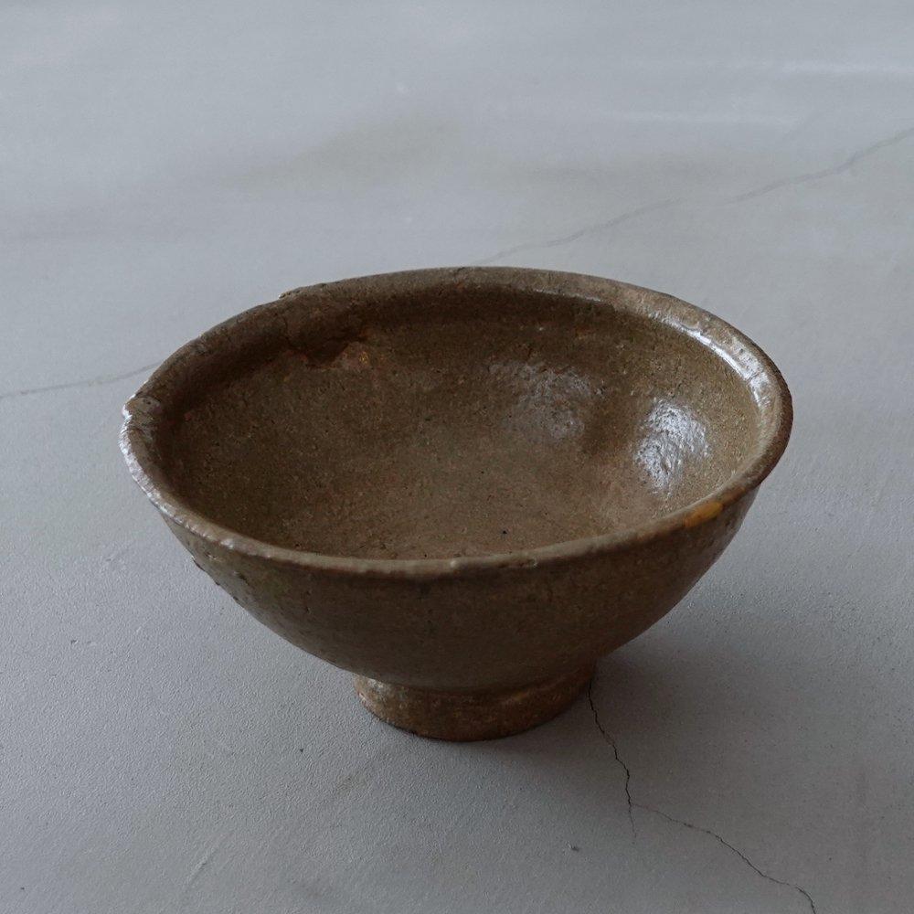 ゴロッとした高麗茶碗