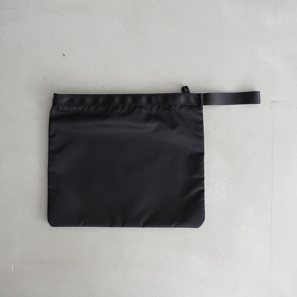 leaf handle pouch _ no.3 / black - nylon twill