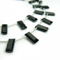 ブラックスピネルAAAレクタングルカットビーズ6×15mm 1粒・一連