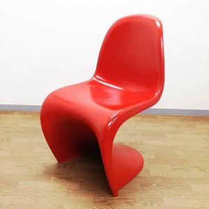 <img class='new_mark_img1' src='https://img.shop-pro.jp/img/new/icons5.gif' style='border:none;display:inline;margin:0px;padding:0px;width:auto;' />【中古】『Panton Chair(パントンチェア)赤/リプダクト品』★3台あり!